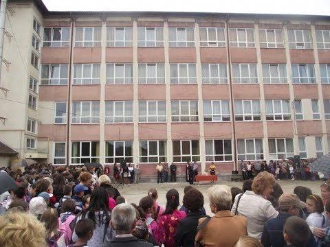 Unguru' Bulan – Panică La Școală (S17E31)